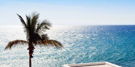 Utsikt över havet i Puerto del Carmen på Lanzarote, Kanarieöarna.