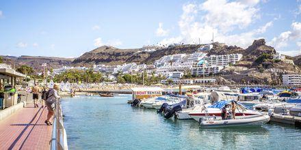 Båthamnen i Puerto Rico på Gran Canaria, Spanien.