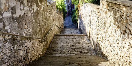 Gränd i Pula, Kroatien.