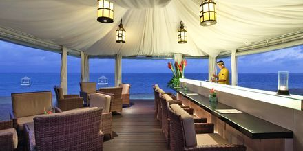 Bar By The Sea på hotell Puri Santrian i Sanur, Bali.