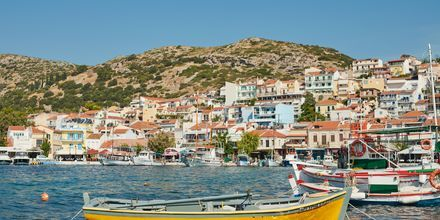 Den mysiga hamnen i Pythagorion på Samos, Grekland.
