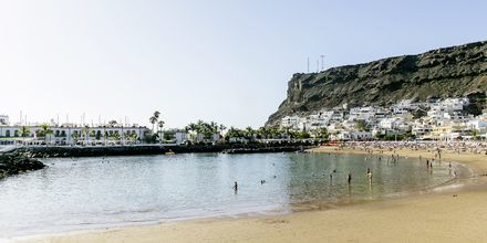 Stranden vid Radisson Blu Resort & Spa i Puerto de Mogán på Gran Canaria.