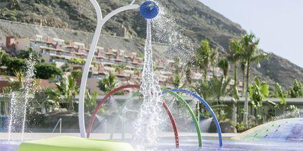 Barnpool på Radisson Blu Resort & Spa i Puerto de Mogán på Gran Canaria.