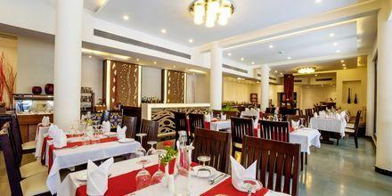 Restaurang på hotell Radisson Goa Candolim i norra Goa, Indien.