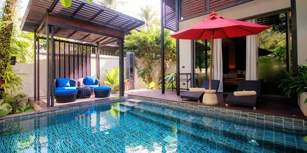 Svit med privat pool på hotell Ramada Resort Khao Lak i Thailand.