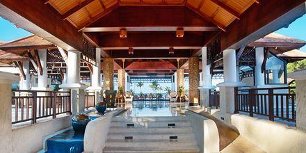 Lobby på hotell Rawi Warin på Koh Lanta, Thailand.
