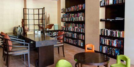 Bibliotek på hotell Rawi Warin på Koh Lanta, Thailand.