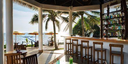 Poolbar på hotell Rawi Warin på Koh Lanta, Thailand.