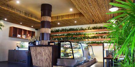 Café på hotell Rawi Warin på Koh Lanta, Thailand.