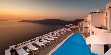 Pool på hotell Regina Mare på Santorini, Grekland.