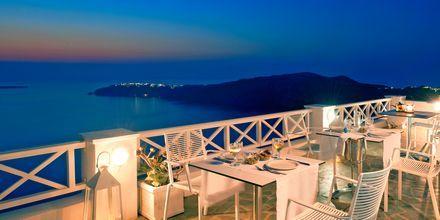 Restaurang på hotell Regina Mare på Santorini, Grekland.