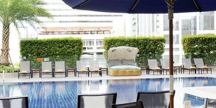 Poolbaren på hotell Rembrandt i Bangkok, Thailand.