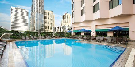 Poolområdet på hotell Rembrandt i Bangkok, Thailand.