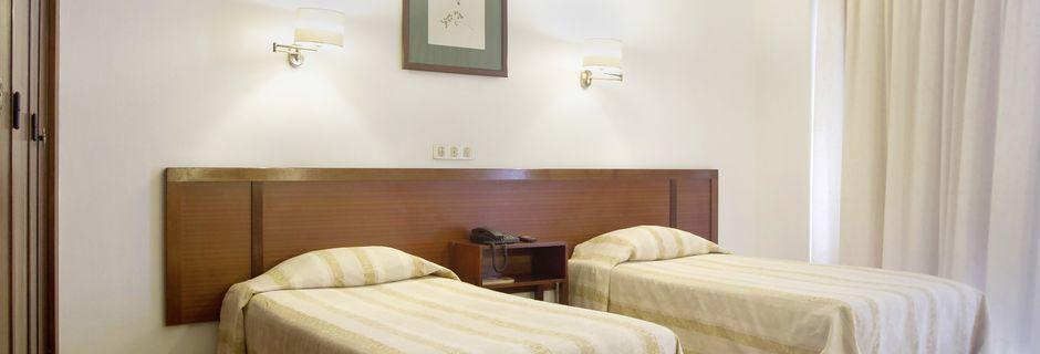 Dubbelrum på hotell Residencial Greco i Funchal på Madeira.