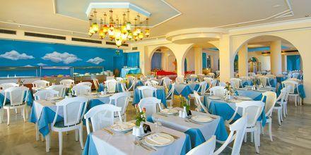 Bufférestaurangen på hotell Rethymno Mare Resort, Grekland.