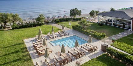 Poolområde på hotell Rethymno Palace i Rethymnon på Kreta, Grekland.