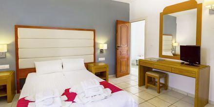 Familjerum på hotell Rethymno Residence vid Rethymnon kust på Kreta, Grekland.