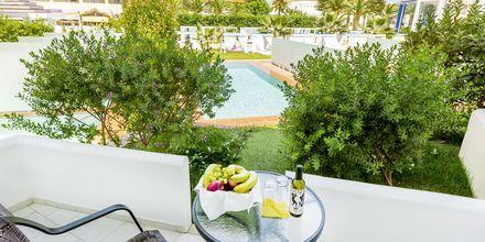 Juniorsvit på hotell Rethymno Residence vid Rethymnon kust på Kreta, Grekland.