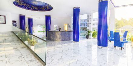 Lobby på hotell Rethymno Residence vid Rethymnon kust på Kreta, Grekland.