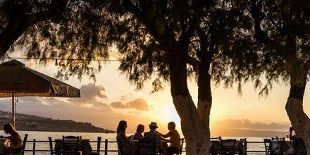 Middag i solnedgången i Rethymnon.