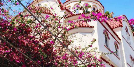 Vacker kyrka i Rethymnon stad på Kreta, Grekland.