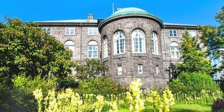 Alltingshuset i Reykjavik på Island.