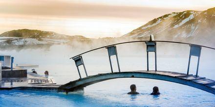 Blå lagunen är ett populärt spa på Island - en riktig upplevelse!