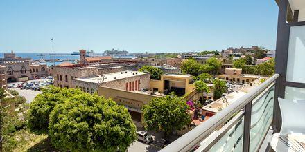 Utsikt från balkong, hotell Rhodos Horizon City.