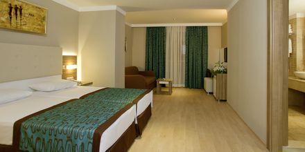Familjerum i den nya byggnaden på hotell Riviera i Alanya, Turkiet.