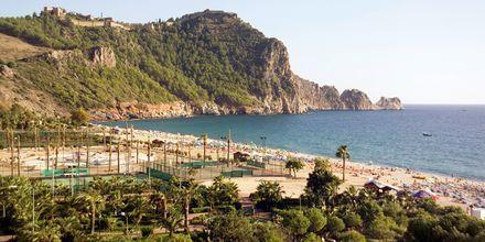 Stranden vid hotell Riviera i Alanya, Turkiet.