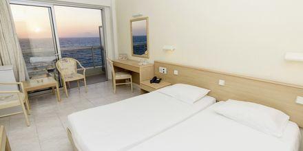 Dubbel-/enkelrum på hotell Riviera i Rhodos stad, Grekland.