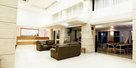 Lobby på hotell Riviera i Rhodos stad, Grekland.