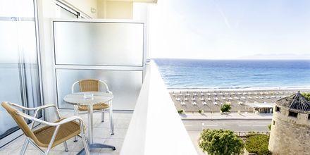 Utsikt från dubbel-/enkelrum på hotell Riviera i Rhodos stad, Grekland.