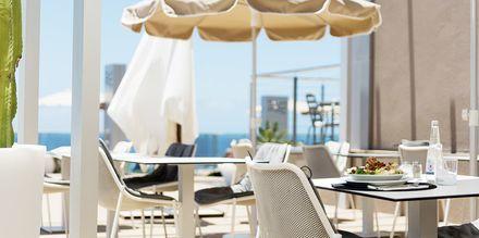 Poolbar på hotell Riviera Vista på Gran Canaria, Kanarieöarna.