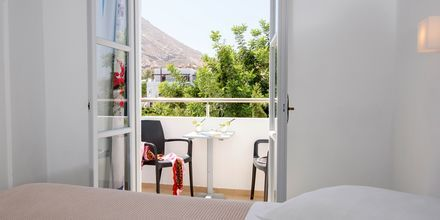 Dubbelrum på RK Beach Hotel, Kamari, Santorini.