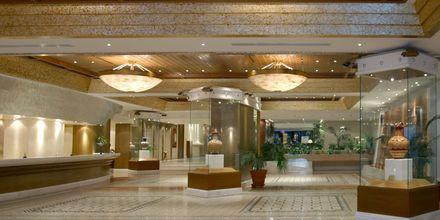 Lobbyn på hotell Rodos Palace i Ixia på Rhodos, Grekland.