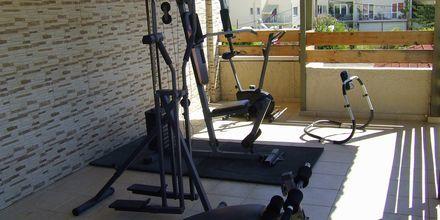 Mindre gym på hotell Rose i Kato Stalos på Kreta.