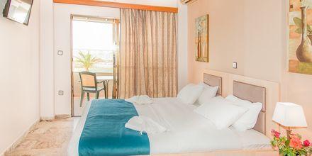 Enrumslägenhet på hotell Rose i Kato Stalos på Kreta, Grekland.