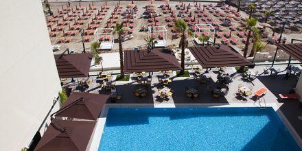 Poolområdet på hotell Royal G i Durres, Albanien.