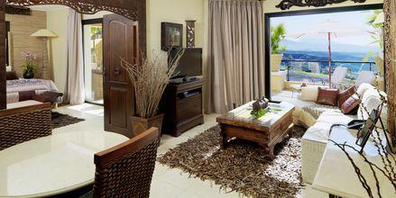 Tvårumslägenhet deluxe på hotell Royal Garden Villas i Playa de la Americas på Teneriffa, Spanien.