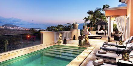 Trerumslägenhet på hotell Royal Garden Villas i Playa de las Americas på Teneriffa, Spanien.