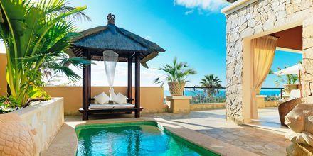 Tvårumslägenhet Deluxe på hotell Royal Garden Villas i Playa de las Americas på Teneriffa, Spanien.