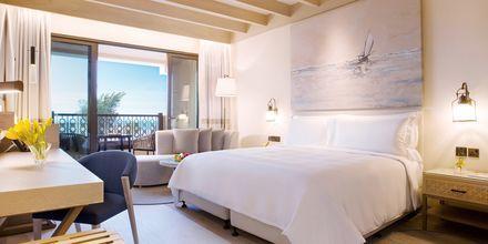 Deluxerum på Saadiyat Rotana Resort & Villas i Abu Dhabi, Förenade Arabemiraten.