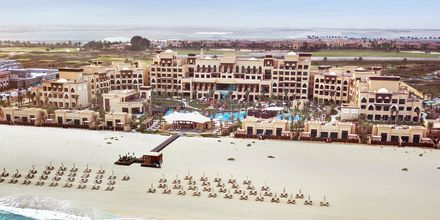 Strand på hotell Saadiyat Rotana Resort & Villas i Abu Dhabi, Förenade Arabemiraten.