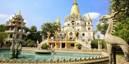 Vackra Buu Long Pagoda i Saigon, Vietnam.