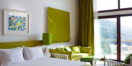 Deluxerum på Salvator Hotel Villas & Spa i Parga, Grekland.