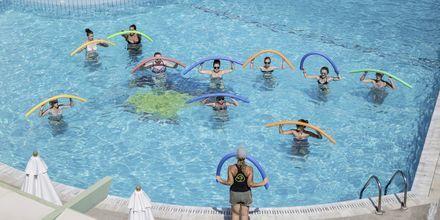 Vattengymnastik på hotell Samaina Inn i Karlovassi, Samos.