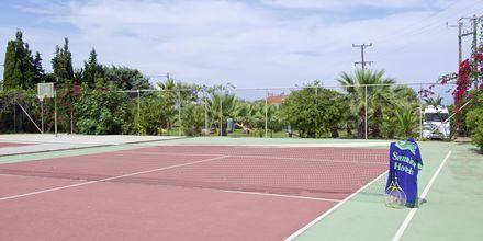 Tennis på hotell  Samaina Inn i Karlovassi, Samos.