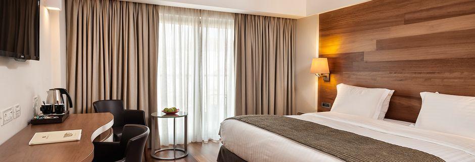 Större dubbelrum på hotell Samaria i Chania stad, Kreta.