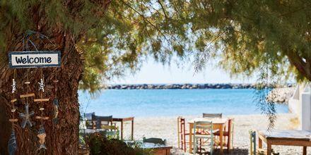 Även Ormos ligger vackert vid havet.